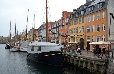 The pretty waterfront at Nyhavn