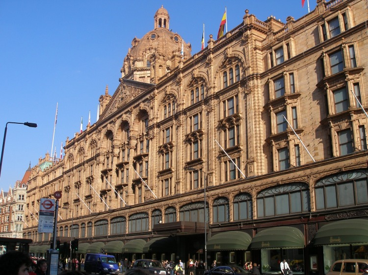 harrods-department-store-736351_1920.jpg