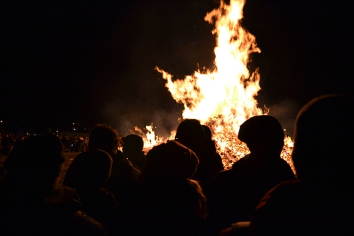The crowds at the bonfire